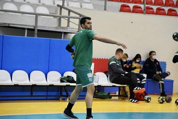 مربی تراز اول و اردوهای با کیفیت شرط موفقیت تیم ملی ایران است